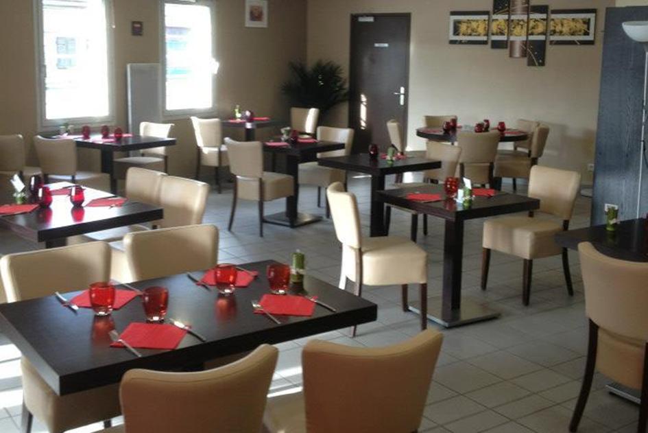 """Vente du restaurant """"LE BOUCHE A OREILLE"""" à Virignin"""
