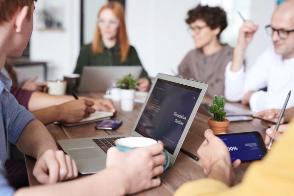 reunion de salariés